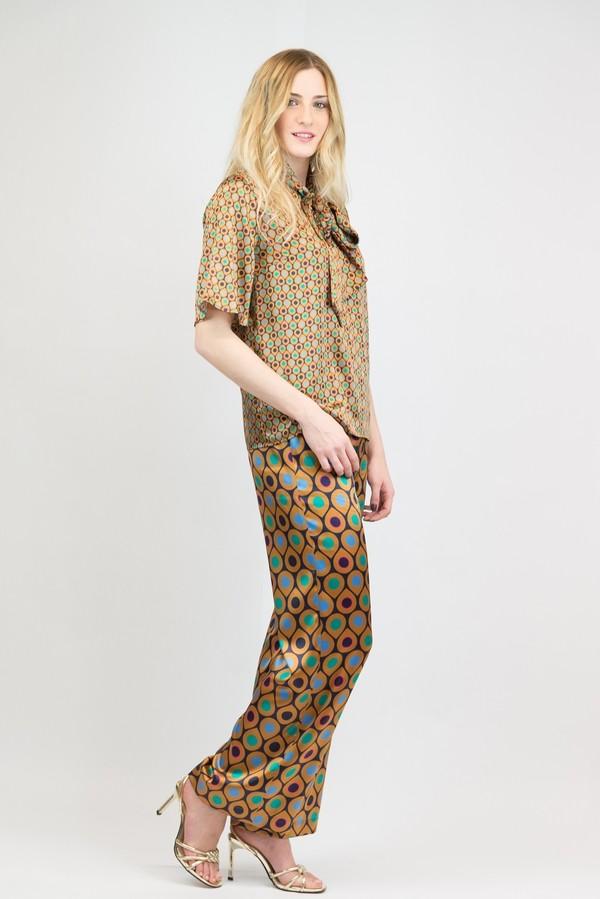 Pantalone palazzo con spacco laterale in raso stampato